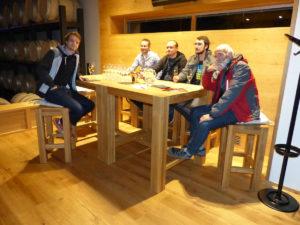 u_stolu